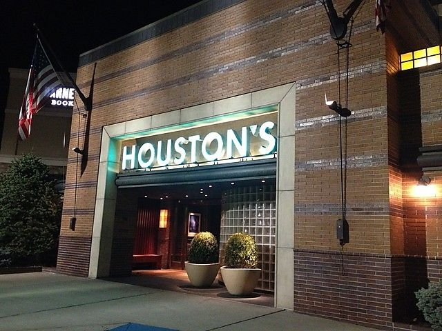 Houston's NJ Restaurant Caught On Tape Forcing Out Black Customers