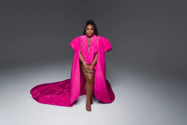 "Lizzo Says As A ""Big Black Woman"" Her Fashion Is ""Politicized"""