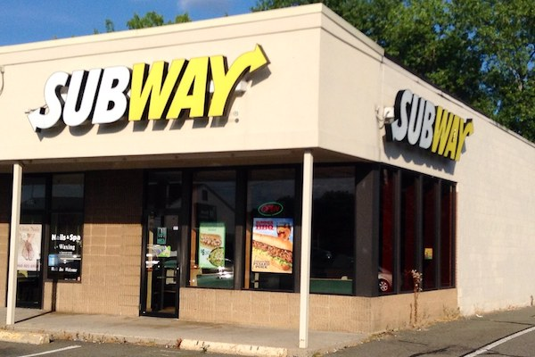 Subway Worker Walks On Food, Throws It On Floor & Bathroom In Video For Clout