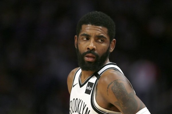 """Howard Stern Calls Kyrie Irving """"Stupid"""" For Choosing Not To Get Vaccinated"""